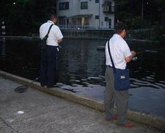 スーツで釣り